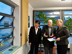 Staatssekretärin Iris Gleicke mit Ernst Hommer und Heidrun Hommer von EuroLam (v.r.n.l.) © EuroLam GmbH